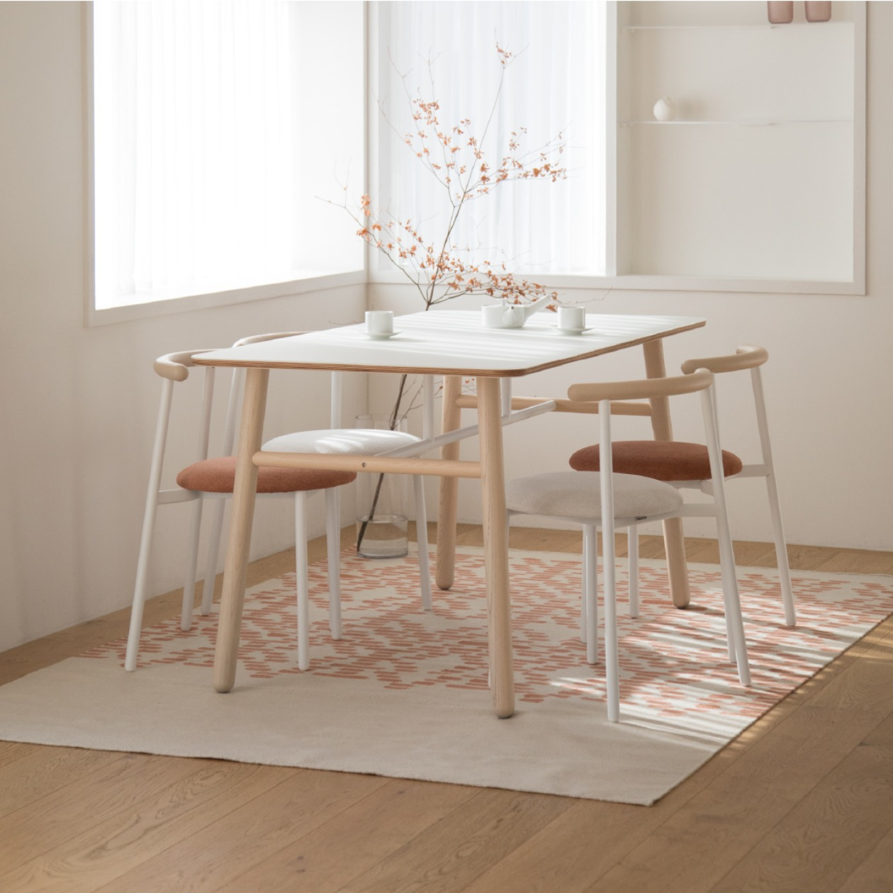 POLE TABLE / 1450X780